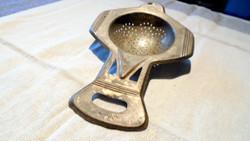 Antik szecessziós teaszűrő