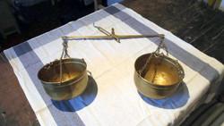 Antik sárgaréz kétkaros patikamérleg vintage konyhadísz