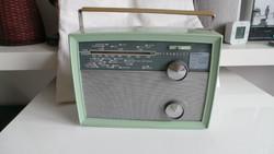 Táska rádió