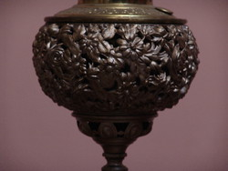 Gyönyörű asztali petróleum lámpa