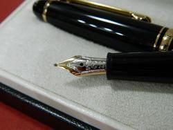 Montblanc meisterstück fountain pen with gold tip m