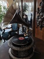 Különleges gramofon