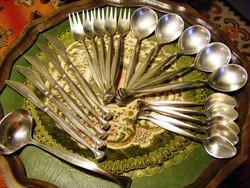 Ritka, egyedi fazonú, 5 személyes, antik, jelzett ezüstözött, rendkívül elegáns, evőeszköz készlet