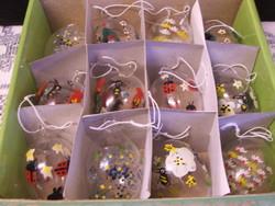 Fújt,festett üveg tojás dobozában 12 db.