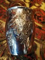 Ezüst Diannás jelzéssel keresztelő pohár vagy boros pohár. Szőlő levél díszek.