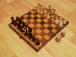 """Régi fa sakk játék, kis fogyatékkal """"élő"""" sakk készlet"""