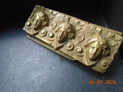 Antik fedeles 3 rekeszes aranyozott bronz/tömör réz tartó 3 dombor  fejjel