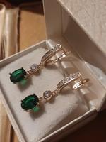Smaragdzöld köves aranyozott fülbevaló