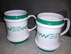2 db zöld-fehér hollóházi korsó SZÖV-TAXI Szolnok 1978