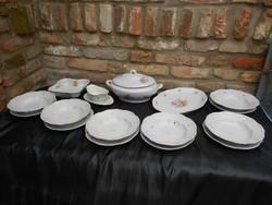 6 személyes Zsolnay étkészlet, fotók szerinti motívumokkal.