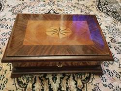 Fa doboz, bieder, Art deco kulccsal levéltartó, szivartartó, vagy gyüjtemények varró doboz, ládika!