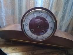 Német függő gátkerekes kandalló óra