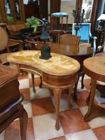 Vese alakú neobarokk íróasztal 3 fiókkal