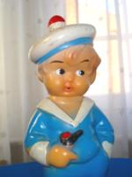 RETRO Tengerész ruhás kisfiú (matróz) gumi játék figura (1960-as évek)