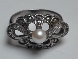 Gyöngyös ezüst gyűrű, aprólékosan kidolgott, szép régi jelzett nemesfém ékszer