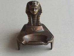 Antik patinás bronz Kleopátra fejes hamutartó, hamutál
