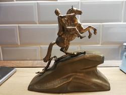 Réz Lovas figura szobor