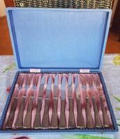 Jelzett ezüst desszertes készlet. 6 személyes, eredeti dobozában. Postázom is.