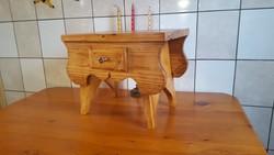 FENYŐ KIS SÁMLI (small pine foot stool )