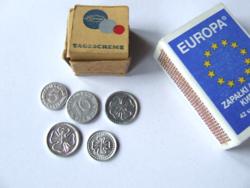 Régi, retró mini, miniatűr játék pénzek, szerencse pénzek eredeti dobozukban