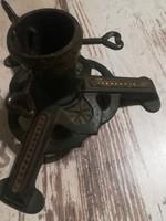 Antik kovácsoltvas fenyőfatartó