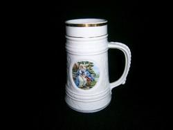 F_015 Nagyon szép barokk életképes porcelán sörös korsó 17 cm magas
