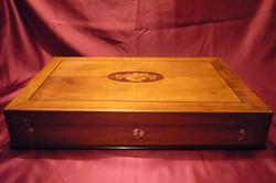 Intarziás fadoboz, evőeszköz készlet tároló doboz 210105