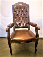 Chesterfield karfás szék