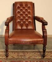 A112 Chesterfield karfás bőr pihenő szék