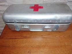 Egészségügyi doboz , mentődoboz