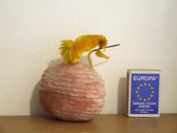 Régi, antik zsenília borítású papír húsvéti tojás doboz madárka díszítéssel