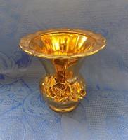 Arany színű rózsás porcelán váza 12,5 cm (fp)