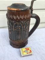 Korsó fedeles kerámia - vár harc jelenetes pohár
