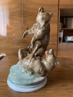 Zsolnay porcelán figura, hancúrozó macik