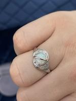 Káprázatos brill-opál 14K fehérarany 585 opál köves gyűrű brill kövekkel