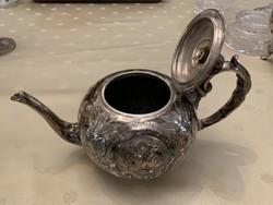 Elegáns szép formájú tea kiöntő, ezüst színű