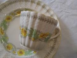 3 részes angol Spode reggelizőszett sárga virágokkal, anyagában kosármintás