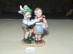 Német népviseletes porcelán gyerekpár