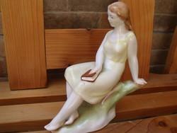 Zsolnay Könyves lány Ritka
