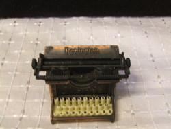 Retro írógép ceruzahegyező