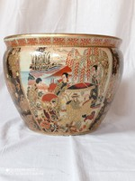 Kínai porcelán kaspó, aranyozott, matricás dekorral, XX.szd második feléből.