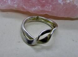 Különleges iparművész  ezüst gyűrű,