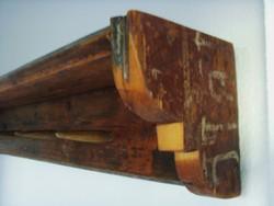 Retro , industrial , rusztikus , design falifogas vasuti talpfából , kézműves termék