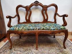 Neobarokk kanapé