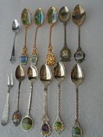 12 darabos aranyozott és ezüstözött  kiskanál gyűlytemény