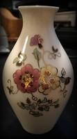 Zsolnay virágmintás mutatós kis váza keresi új tulajdonosát!