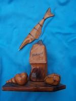 """""""A tenger emlékei"""" asztali tolltartó és toll  tengerparti szikla, csiga és hal ábrázolással"""