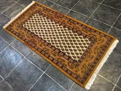 INDIAI kézi csomózású gyapjú PERZSA szőnyeg, 73 x 154 cm