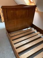 Fa ágykeret belső lécekkel