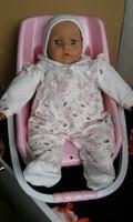 Élethű baba hordozóban   46 cm
